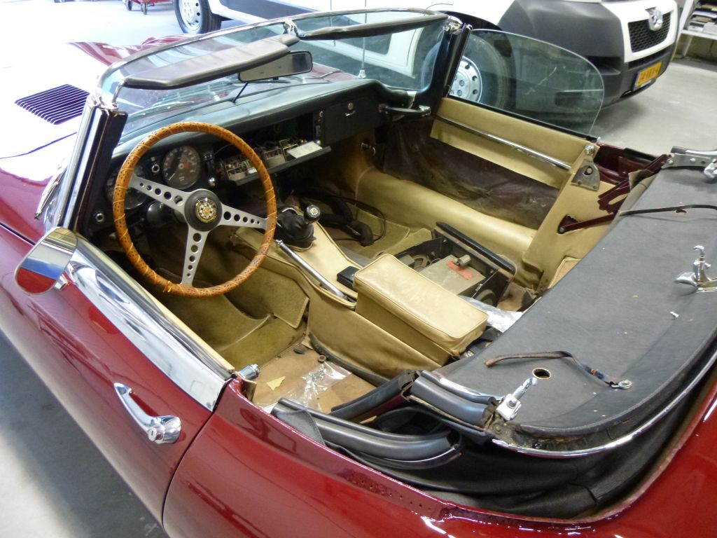 Interieur jaguar e type jakob kruithof for Interieur jaguar